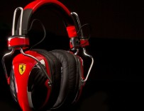 Ferrari-Headphones-by-Logic3