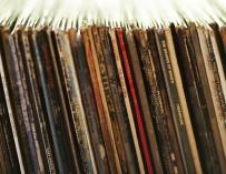 Be POP vinyl