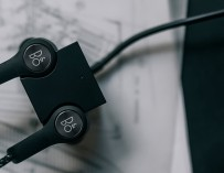Beoplay H5 review