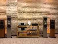 Poulissen Audio Video Center KEF