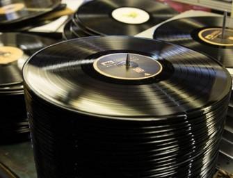 Nieuwe manier van vinylproductie maakt 24 000 vinyls per dag