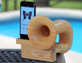 Nu bestaat het: een hoorn voor je smartphone